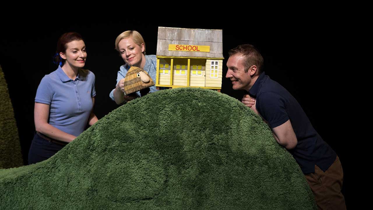 4. Grug & the Rainbow. Photo Shane Reid. L-R Ellen Stelle, Jude Henshall, Nathan O'Keefe