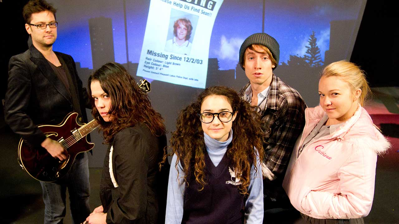 L-R Jethro Woodward, Sarah Brokensha, Danielle Catanzariti, Matthew Crook, Jessica Barnden. Photo Tony Lewis